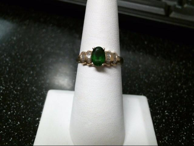 Green Stone Lady's Stone & Diamond Ring 22 Diamonds .22 Carat T.W.