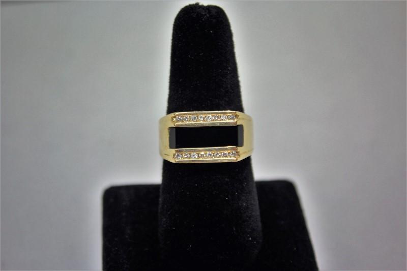 Onyx Gent's Stone & Diamond Ring 16 Diamonds .32 Carat T.W. 14K Yellow Gold 8g