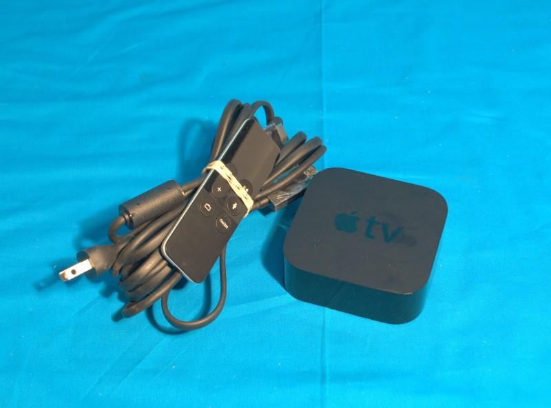 Apple TV A1625 4TH Generation 64 GB HD Multimedia Streamer