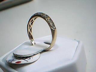 Lady's Diamond Wedding Band 55 Diamonds .55 Carat T.W. 10K Yellow Gold 1.8g