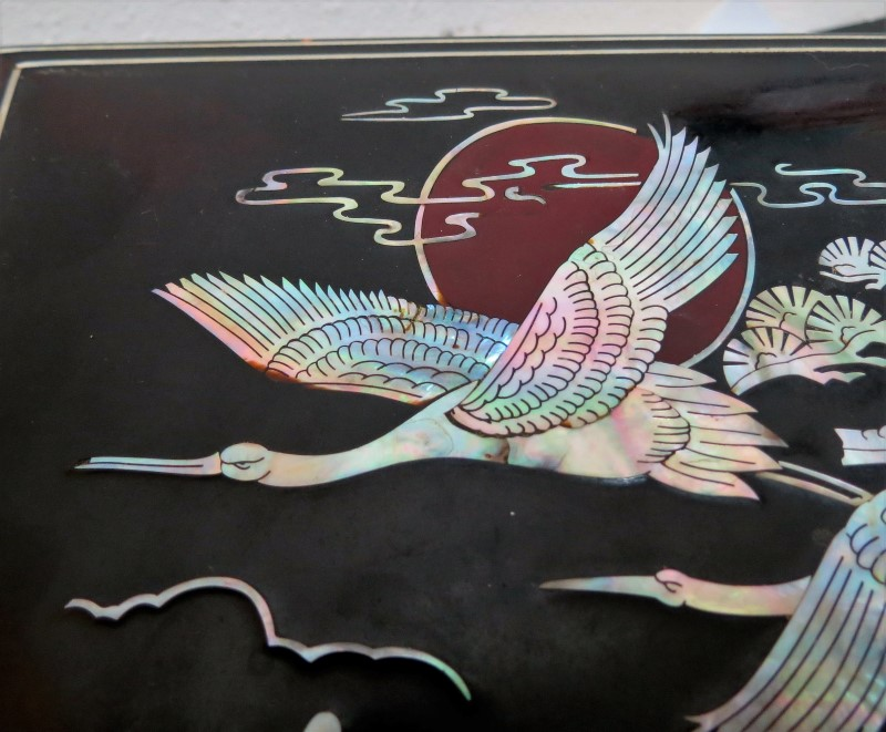 VINTAGE FLYING CRANES LACQUERWARE MOTHER OF PEARL INLAY JEWELRY & MUSIC BOX