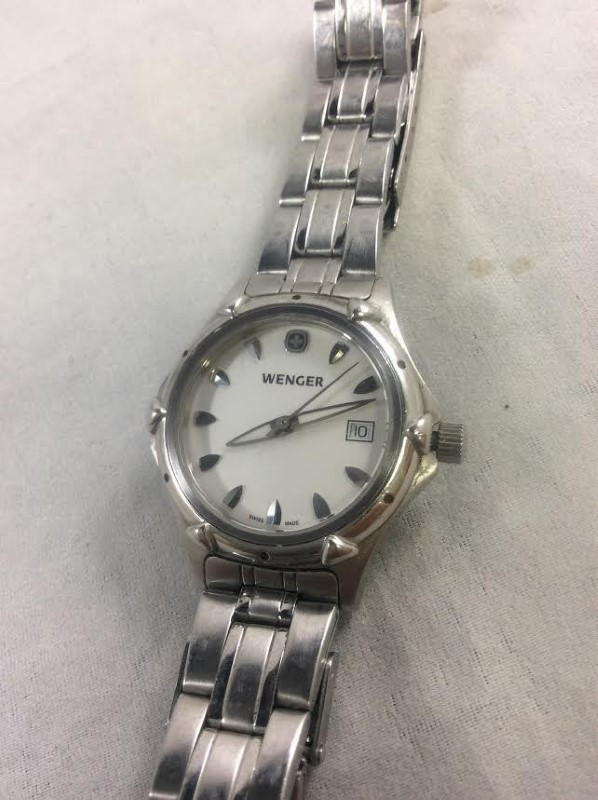 Classic Swiss Made Wenger Stainless Steel 32mm Wristwatch 7023X Date New Battery