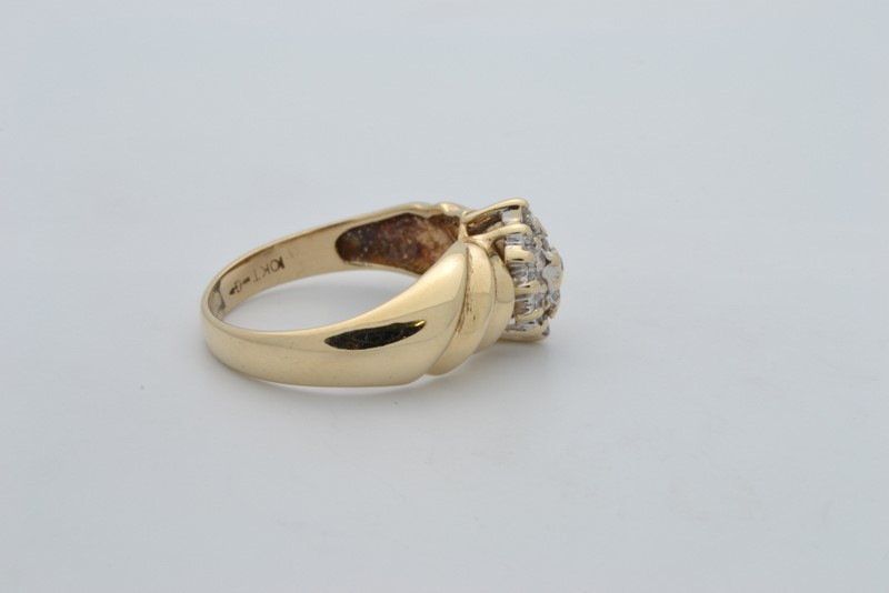 VINTAGE DIAMOND CLUSTER RING SOLID REAL 10K GOLD COCKTAIL RIB 6.25