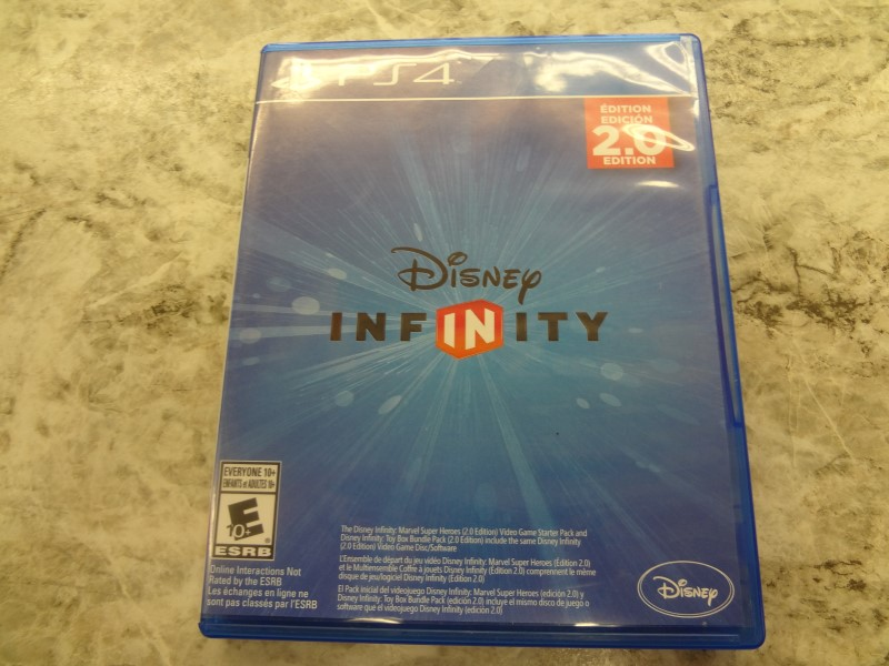 DISNEY INFINITY 2.0 STARTER PACK - PS4 (COMES WITH GAME, PORTAL & 5 FIGURINES)