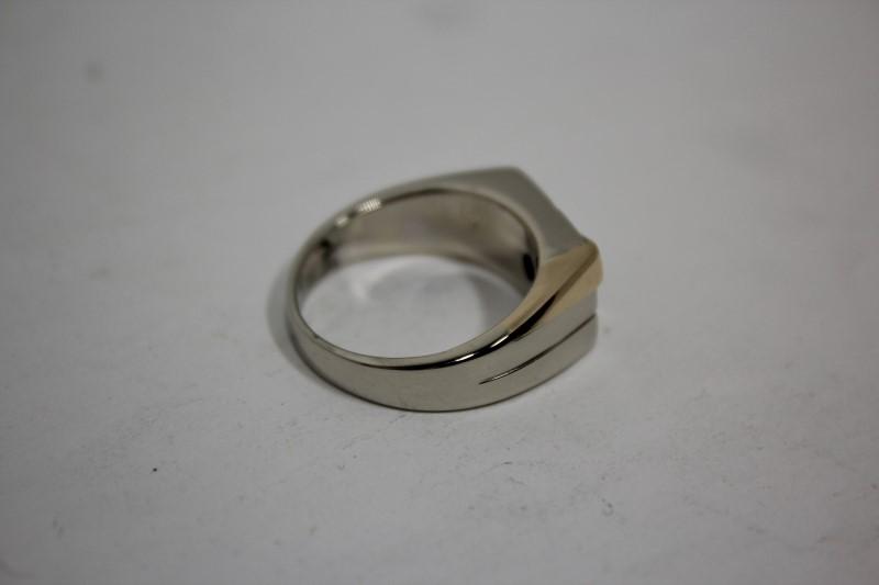 Gent's Diamond Fashion Ring 5 Diamonds .25 CTW 14KWG 9.4g, Size: 9.75