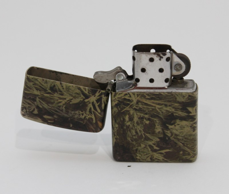 Zippo Camouflage Lighter 2010 USA Made Sparks Nicely >