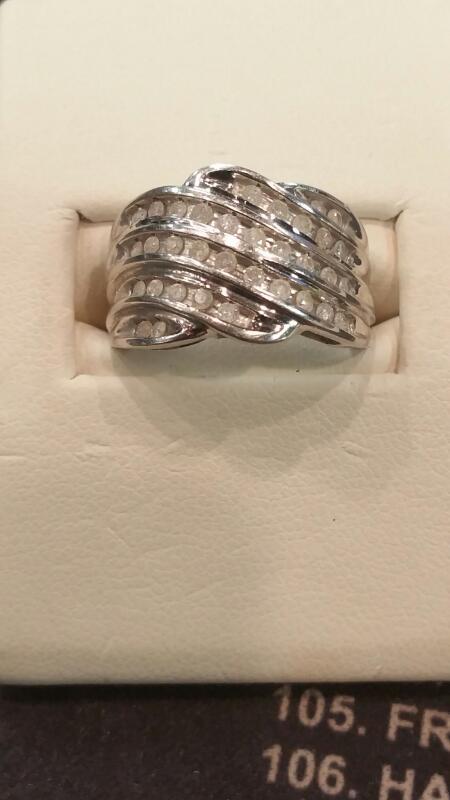 Lady's Gold Ring 10K White Gold 3.4dwt