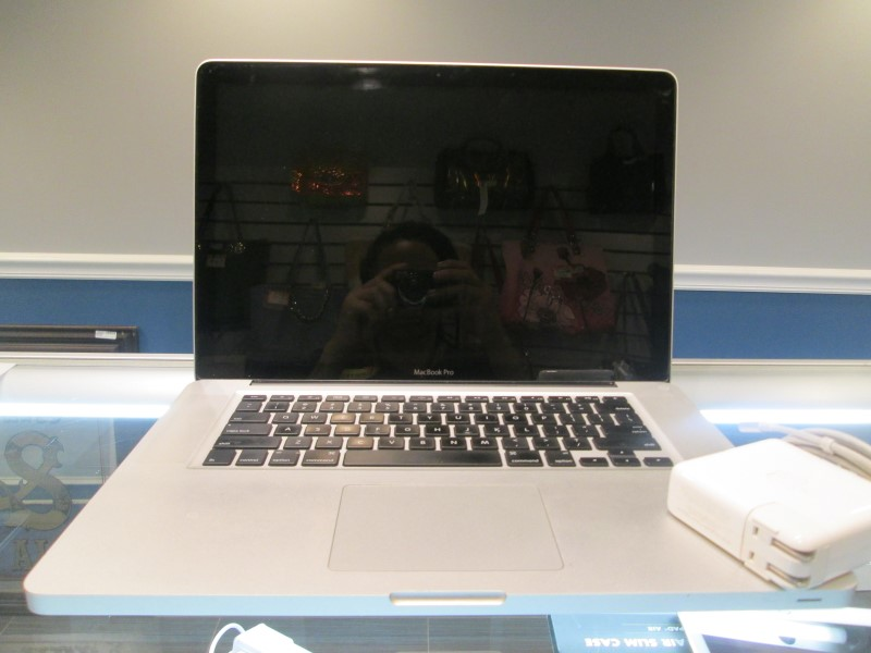"Apple MacBook Pro (A1268) ""Core 2 Duo"" Unibody"