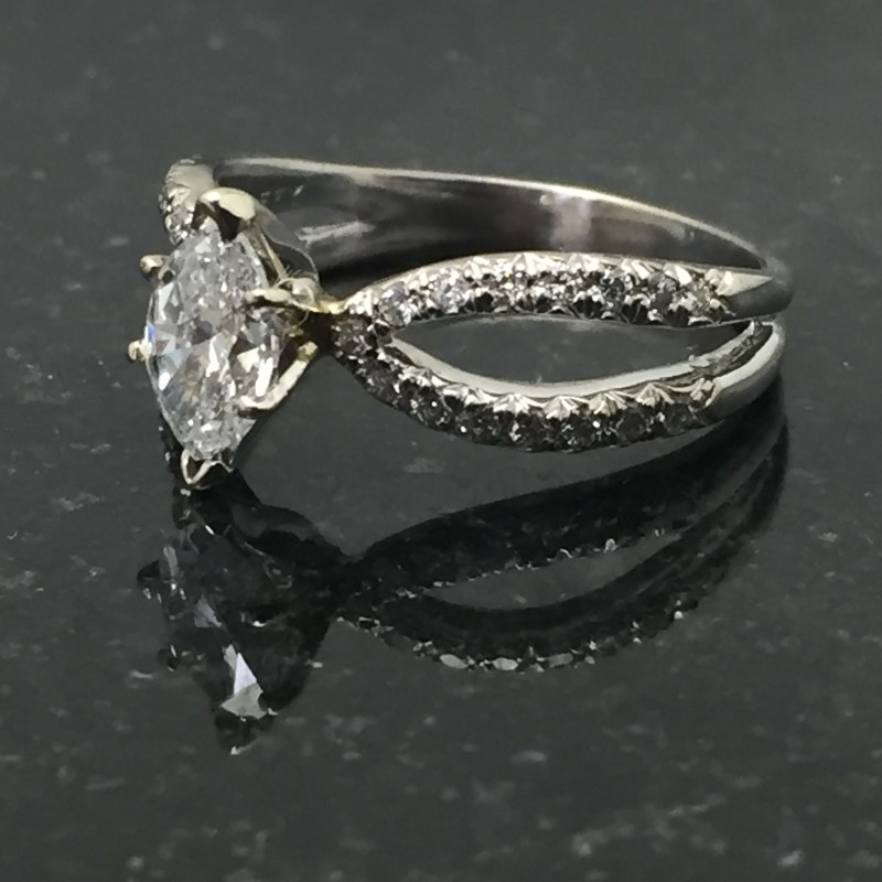 Lady's Diamond Fashion Ring 31 Diamonds 1.51 Carat T.W. 14K White Gold 3.3dwt