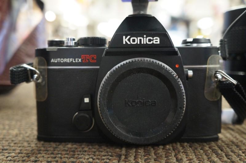 VINTAGE KONICA Film Camera AUTOREFLEX TC