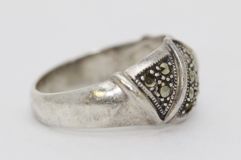 Sterling Silver Triple V Marcasite Cluster Dome Ring Band Size 9
