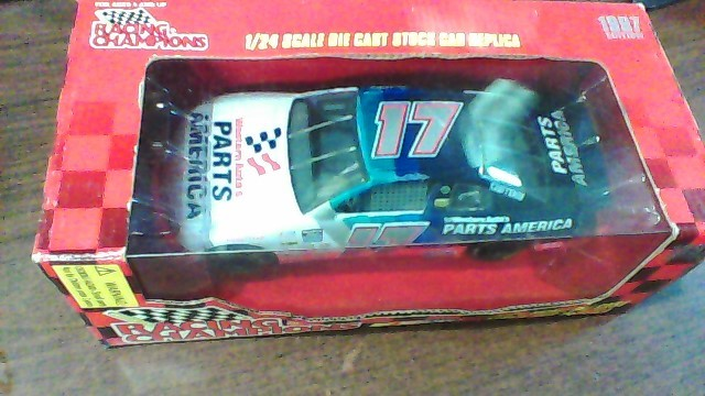 NASCAR Toy Vehicle DIECAST 1/24TH