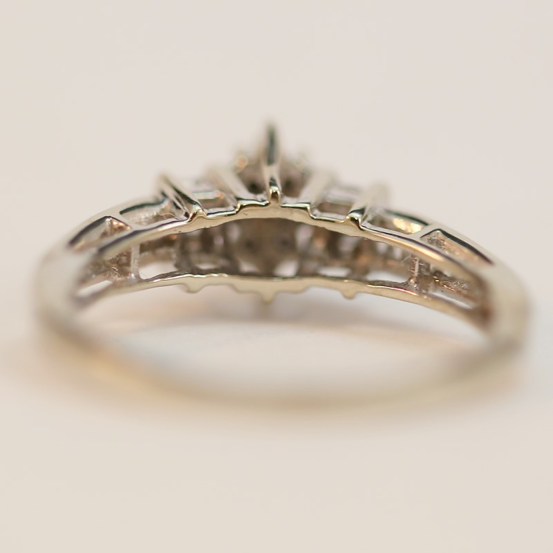 10K White Gold Round and Baguette Cut Diamond Cluster Ring Size 7.75