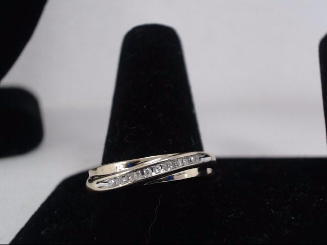 Lady's Diamond Wedding Band 11 Diamonds .33 Carat T.W. 10K Yellow Gold 1.7g