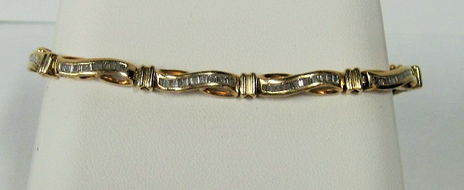 Gold-Diamond Bracelet 160 Diamonds 3.20 Carat T.W. 10K Yellow Gold 5.66dwt