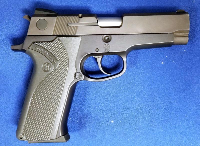 SMITH & WESSON Pistol MOD 410