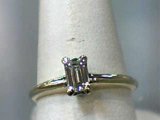 Lady's Diamond Solitaire Ring .28 CT. 14K Yellow Gold 1.5dwt Size:6.5