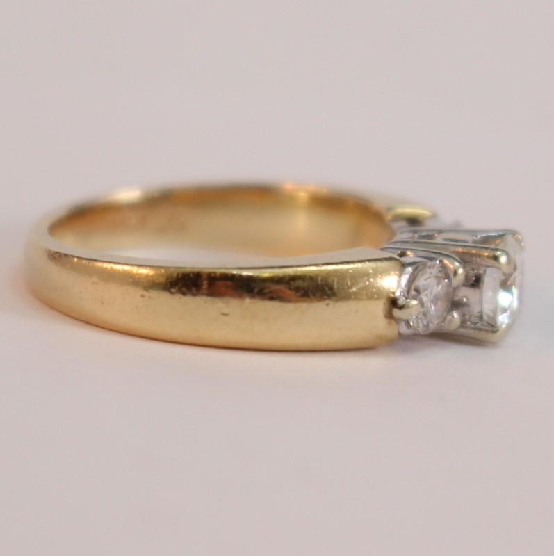 14K Yellow Gold 3 Round Brilliant Diamond Engagement Ring Size 5.5