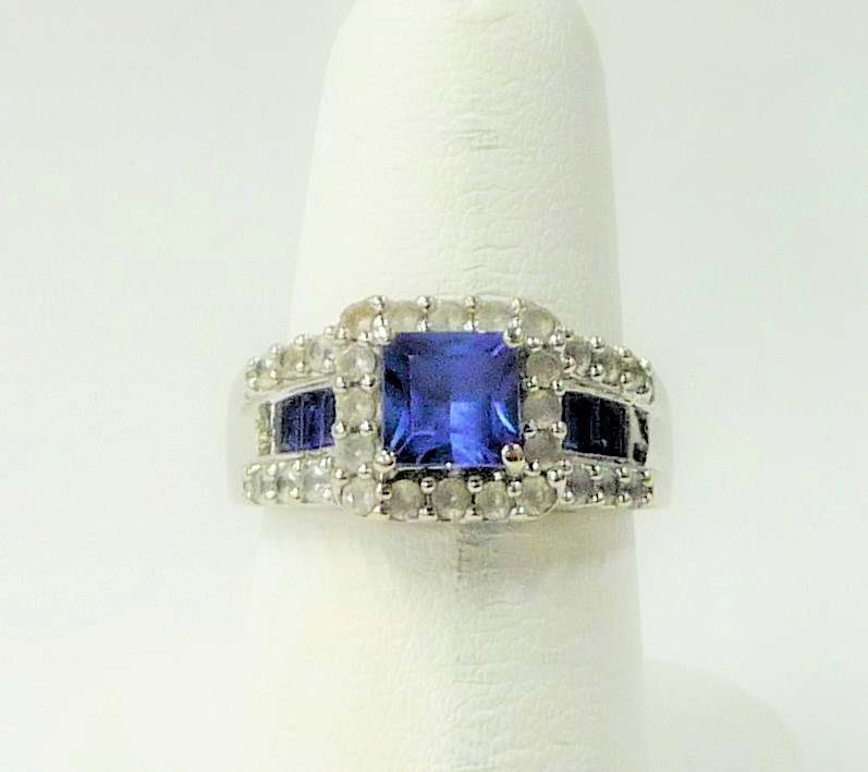 Synthetic Blue Topaz Lady's Stone Ring 10K White Gold 2.64dwt