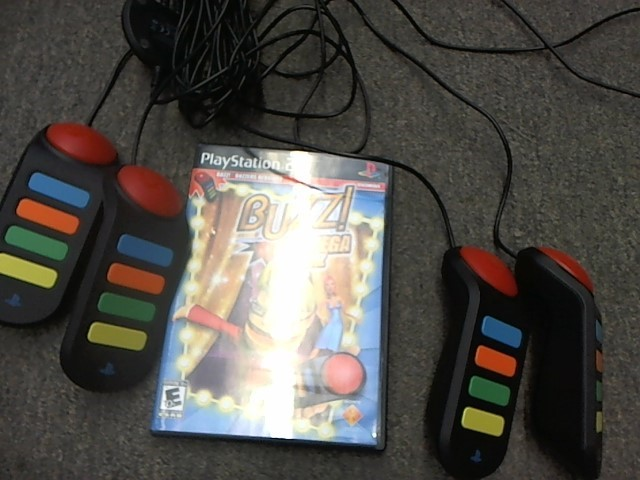 SONY PS2 BUZZ GAME W/ 4-PERSON CONTROLLER