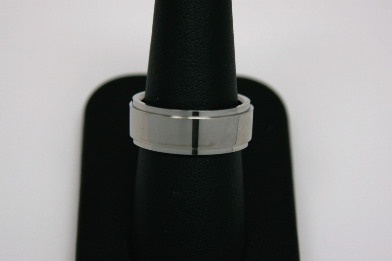 GENT'S SILVER PLATED BAND 8