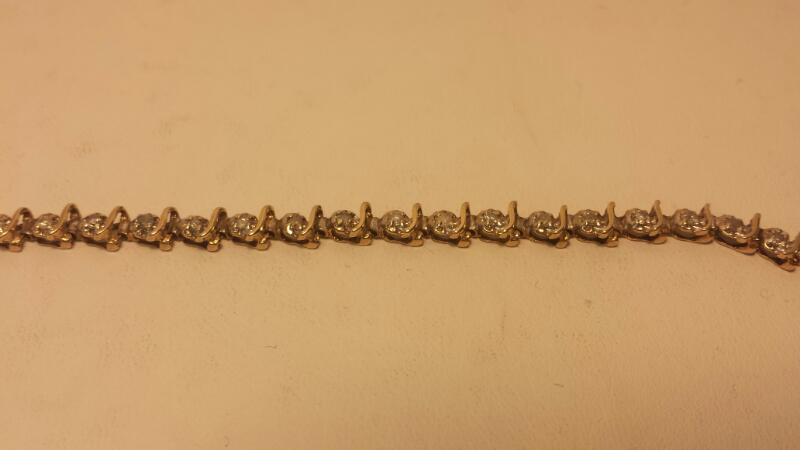 10k Yellow Gold Bracelet with 36 Diamonds - 4.3dwt - Lenght 8""