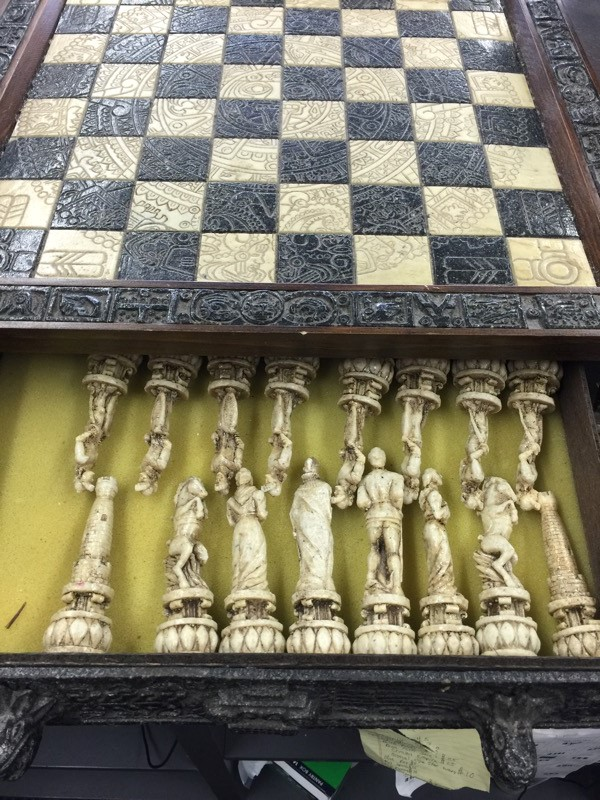 VINTAGE MEXICAN AZTEC MAYAN CHESS BOARD SET AZTEC CALENDAR BOARD ~ Hand Carved