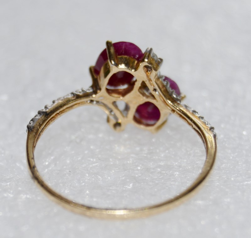14K Two Tone Gold Oval Natural Opaque Ruby & Diamond Ring Size 8