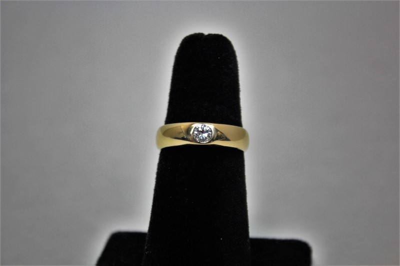 Gent's Diamond Solitaire Ring .46 CT. 14K Yellow Gold 6.2g Size:9