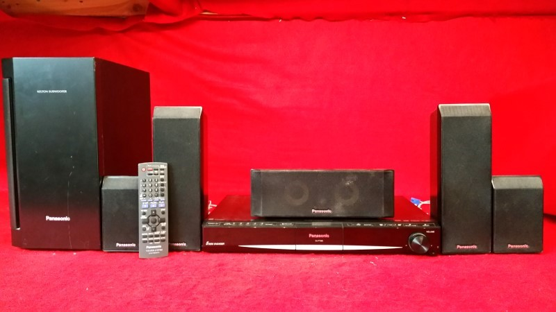 Panasonic SA-PT660 1000W 5.1Ch DVD Home Theater System w/ Remote