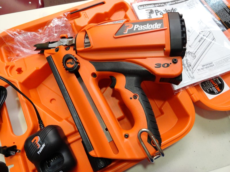 Paslode CF325XP Cordless Lithium-Ion 30 Degree Framing Nailer w/ Case