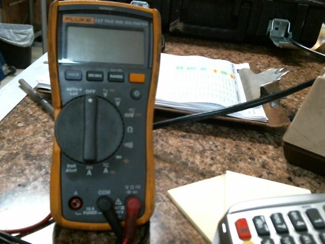 FLUKE Multimeter 117 TRUE RMS MULTIMETER
