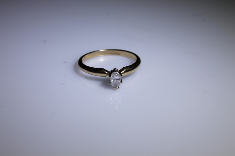 Lady's Diamond Engagement Ring .24 CT. 18K Yellow Gold 2.33g