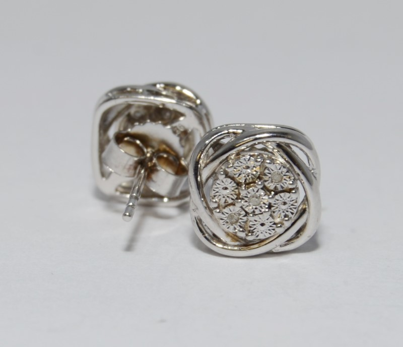 Silver-Diamond Earrings 6 Diamonds