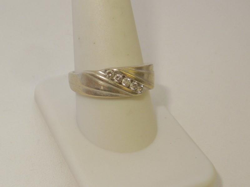 Gent's Gold-Diamond Wedding Band 5 Diamonds .15 Carat T.W. 10K White Gold 7.7g