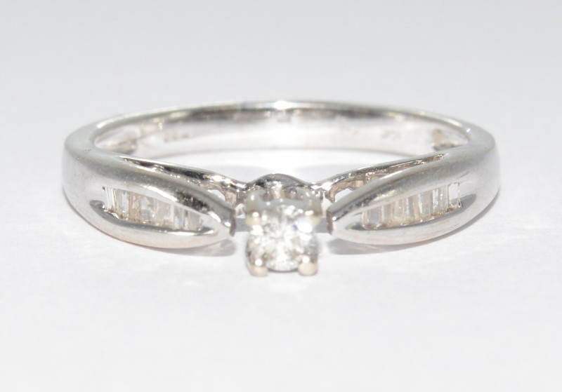 10K White Gold Tapered Band Diamond Engagement Ring w/ Side Accents sz 6.75