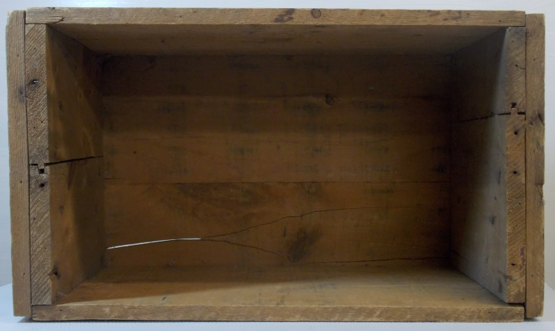 VINTAGE WINCHESTER WOODEN AMMUNITION BOX/CRATE