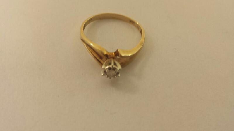 Lds 10K-Y/G Diamond Solitaire Engagement Ring