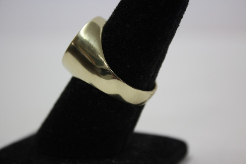 Gent's Gold Ring 14K Yellow Gold 9.6g Size:10.5