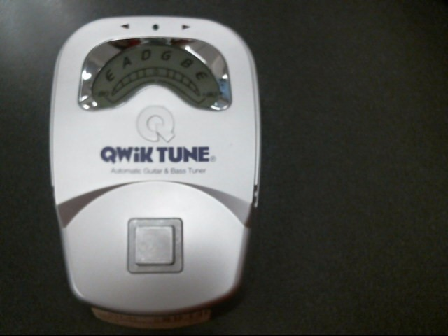 QWIK TUNE Electronic Instrument AUTO GUITAR & BASS TUNER