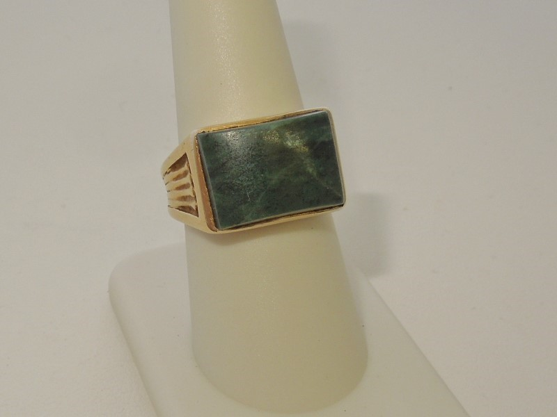 Synthetic Jade Gent's Stone Ring 14K Yellow Gold 9.4g