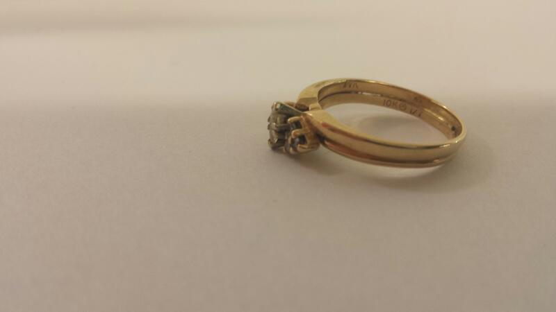 Lady's Diamond Wedding Set 7 Diamonds .16 Carat T.W. 10K Yellow Gold 2dwt