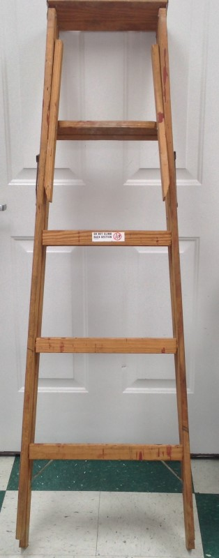 WERNER MODEL W335 5' WOOD FOLDING LADDER