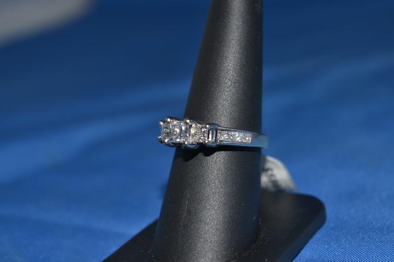 Lady's Diamond Engagement Ring 13 Diamonds .85 Carat T.W. 14K White Gold 4.6g