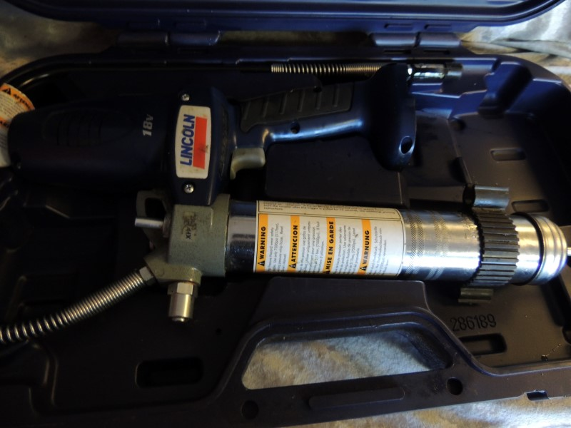 LINCOLN ELECTRIC Miscellaneous Tool 1800 GREASE GUN