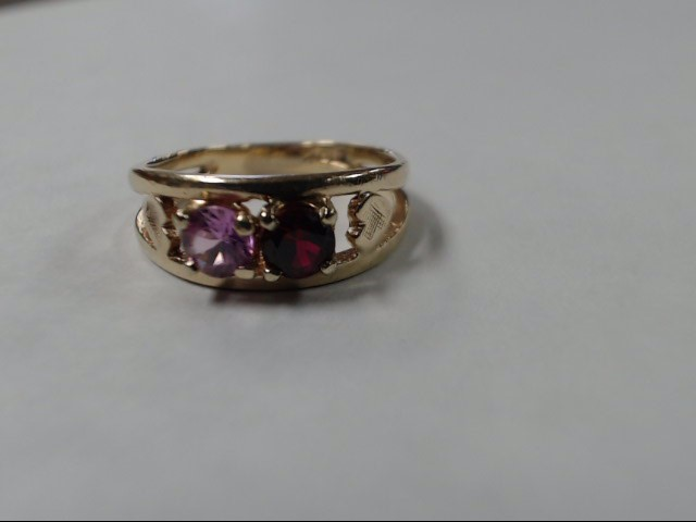 Lady's Gold Ring 10K Yellow Gold 2.4g