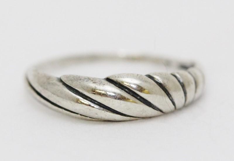 Sterling Silver Rainbow Sunburst Plain Dome Ring Size: 7.25