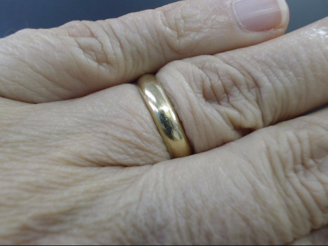 VINTAGE CLASSIC PLAIN WED RING BAND SOLID 14K GOLD 3.9mm WIDE SIZE 7