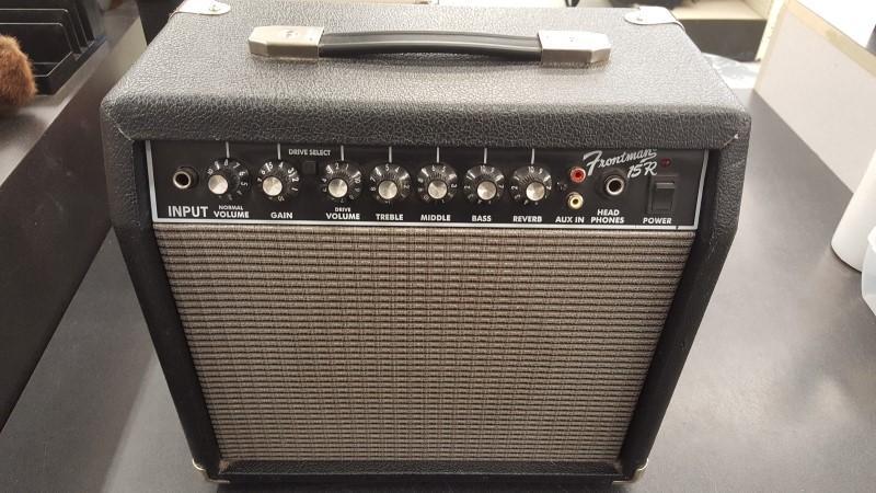 FENDER Electric Guitar Amp FRONTMAN 15R