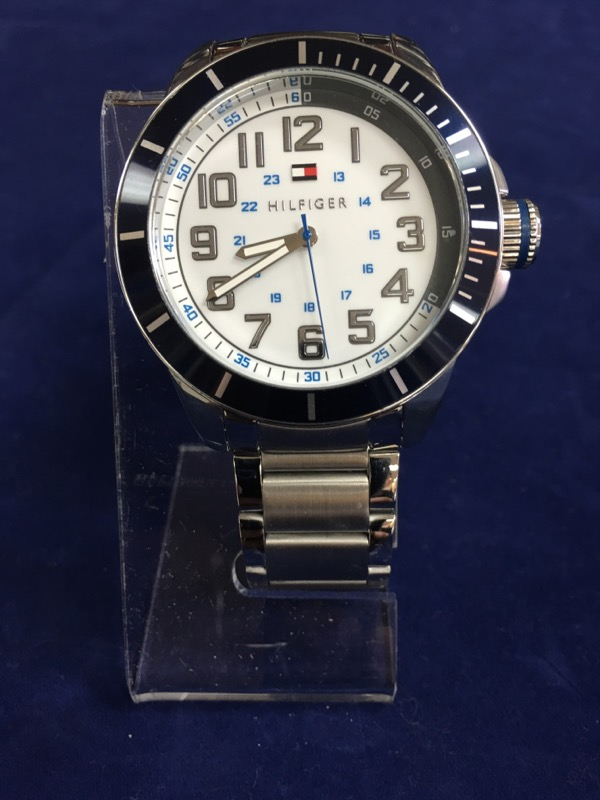 TOMMY HILFIGER Gent's Wristwatch TH.153.1.100.1702